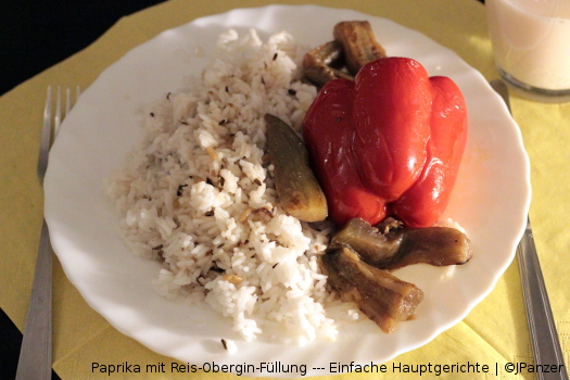 Paprika mit Reis-Obergin-Füllung — Menü