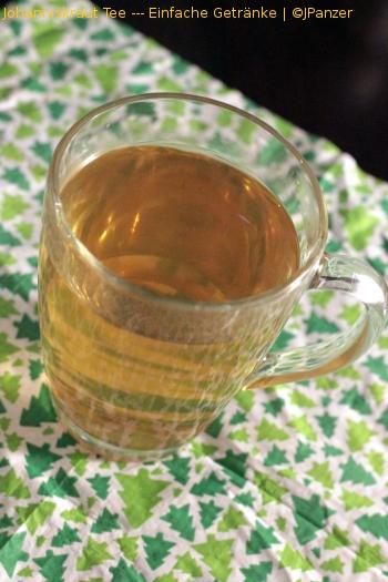 Johanniskraut Tee — Einfache Getränke