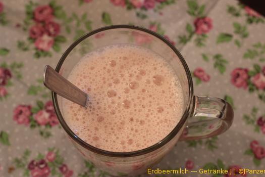 Erdbeermilch (süß und lieblich) — Getränke
