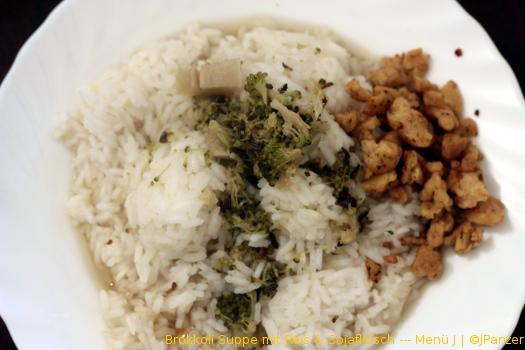Brokkoli Suppe mit Reis & Sojafleisch — Menü