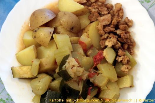 Kartoffel mit Schmorgurken & BIO SojaFleisch