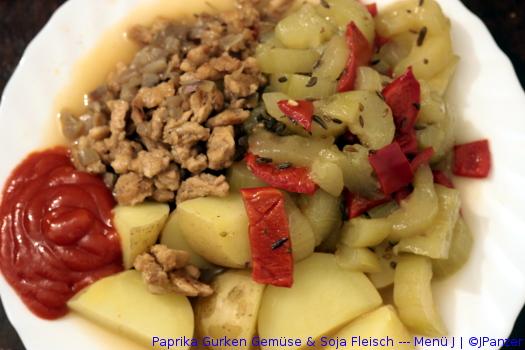 Paprika Gurken Gemüse & Soja Fleisch — Menü