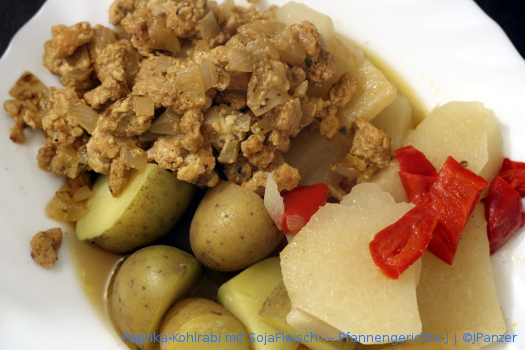 Paprika-Kohlrabi mit SojaFleisch — Pfannengerichte