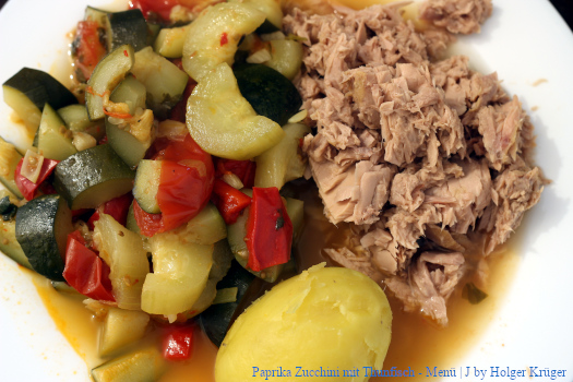 Paprika Zucchini mit Thunfisch – Menü | J