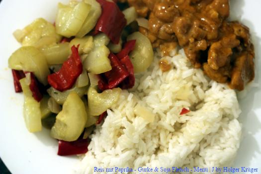 Reis mit Paprika – Gurke & Soja Fleisch – Menü | J